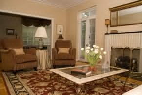 Hinterland area rug cleaning professionals use specialised tools and equipment for cleaning all types of rugs - image